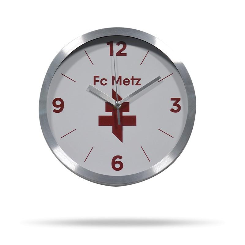 Horloge croix